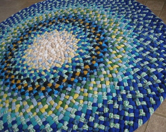Made to order-Round Braided Rug in Blues from recycled cotton