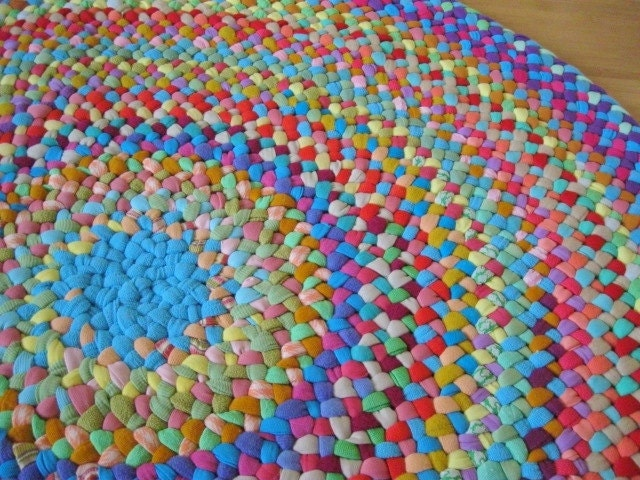 Handmade Braided Round Area Petunia Rug From Recycled Cottons