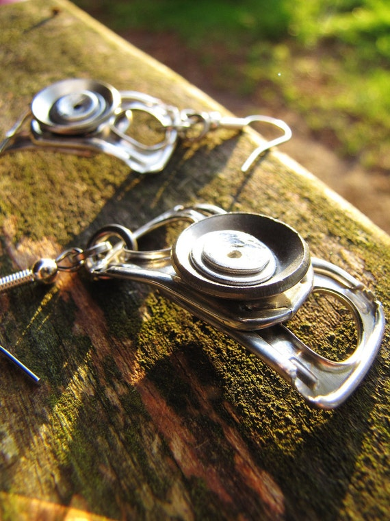 Industrial recycled metal ring pull tab dangle Earrings.