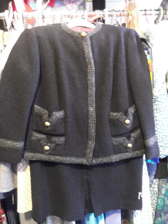 1960s Quality Black Wool Boucle' Suit, sz M