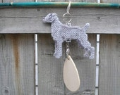 Weimaraner dog art decor hang anywhere crate tag hanger, plastic canvas hand stitched needlepoint, Magnet option