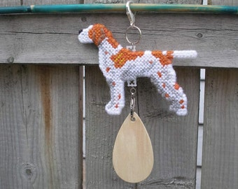 Pointer dog hanger decor hang anywhere crate tag, hand stitched needlepoint art, English Pointer, magnet option