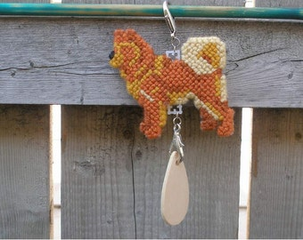 Finnish Spitz crate tag - dog kennel charm or hang anywhere, hand stitched needlepoint art, Magnet option