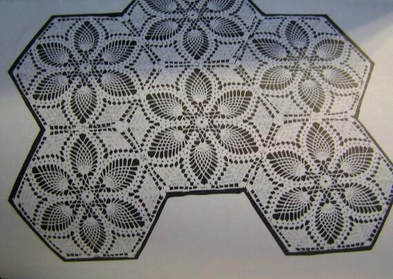 Vintage Crocheted Medallion Design 7105
