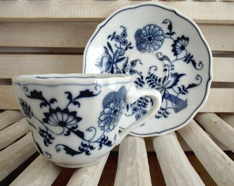 Vintage-Blue Danube Tea Cup and Saucer Set