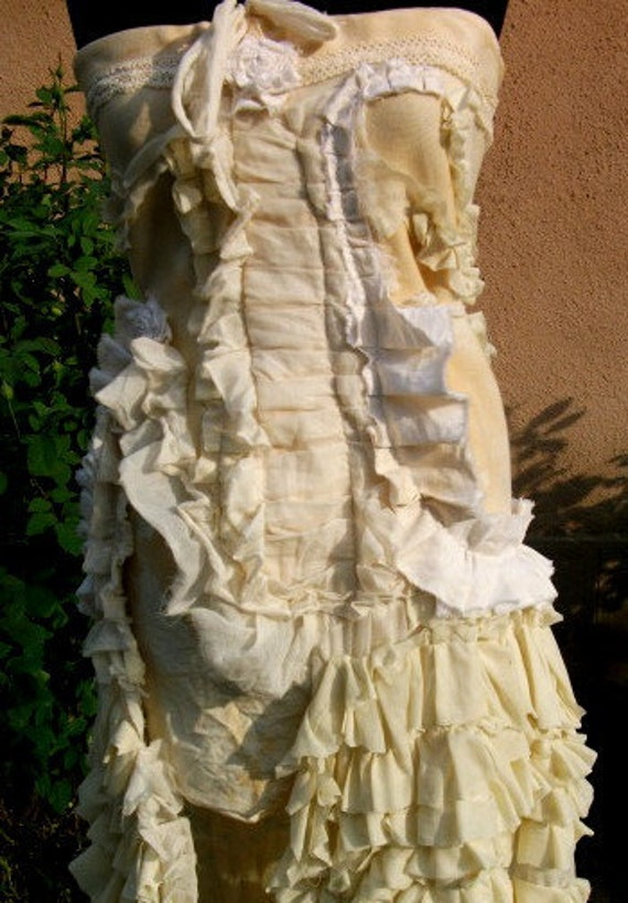 dress, steampunk dress, bridal gown, strapless, cream, ruffles, layers and frills, shabby chic, romance, victorian, sepia,wedding
