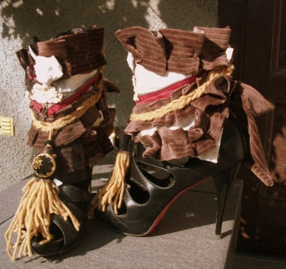spats, ankle cuffs,gypsy spats,belly dance, cuffs, upcycled fabrics, tassel , cinnamon, repurposed zipper, spring accessoires, drama, diva,
