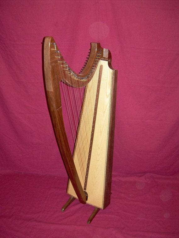 29 String Gothic Harp in Walnut