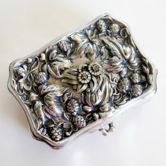 Vintage Antique Victorian Silver Repousse Aesthetic Era Art Nouveau Pine Cone Motif Clutch Purse