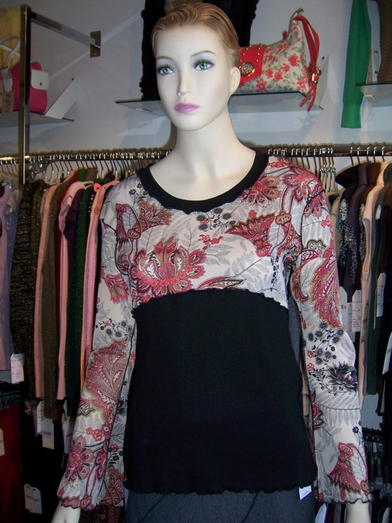 Burgundy color Floral Print Top with ruffled edging plus made in USA (v115)