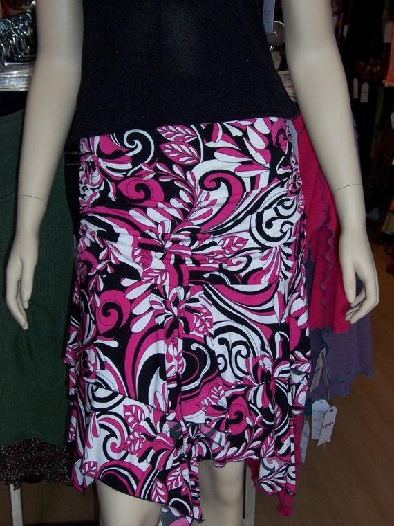 Geometric pattern Pink Flower Skirt (v20)