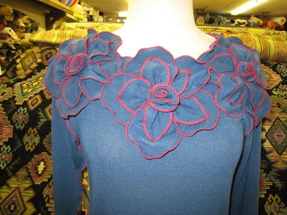 blue color long sleeves top with 3 roses decoration (v122)
