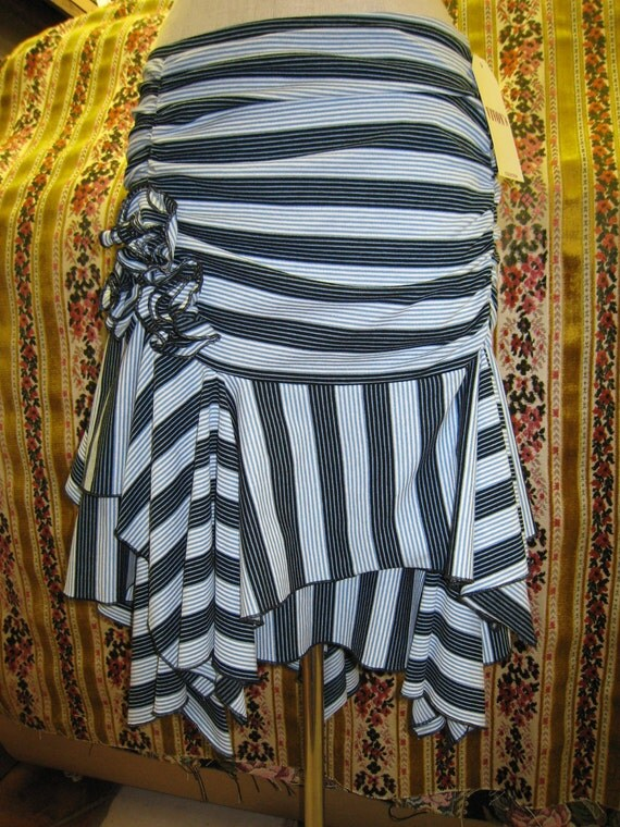 rose decoration with stripe print skirt or tube dress plus made in USA(v28)