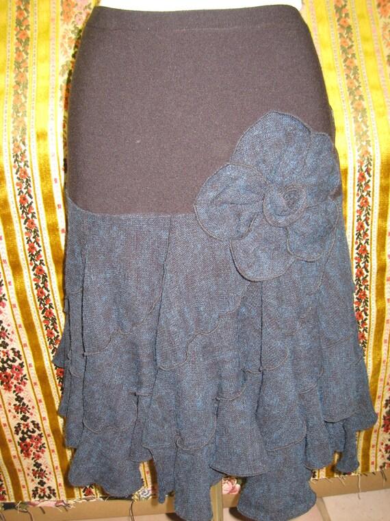 Black and dark blue skirt with big rose decoration on the front side (v7)