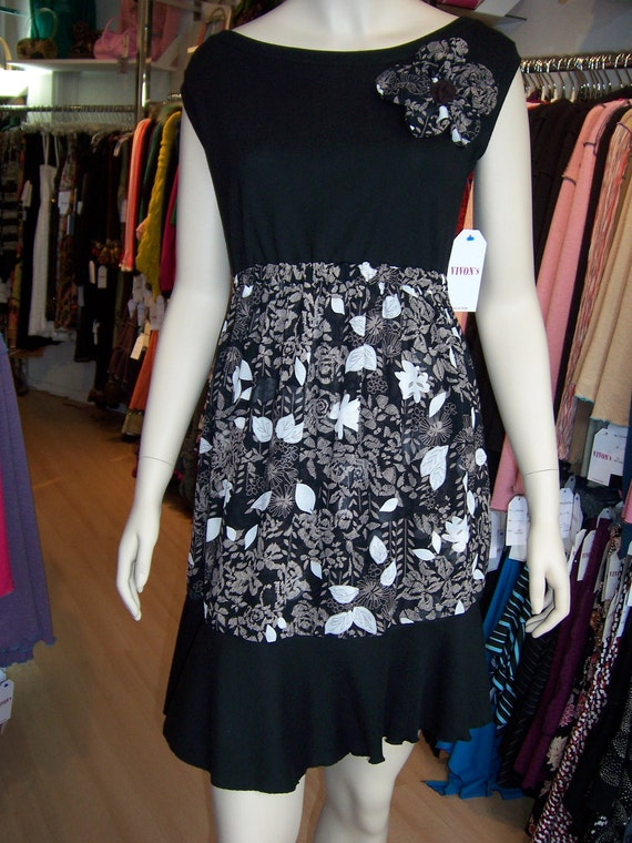 Black and mix print with black, brown and cream color dress with rose decoration plus made in USA (v46)