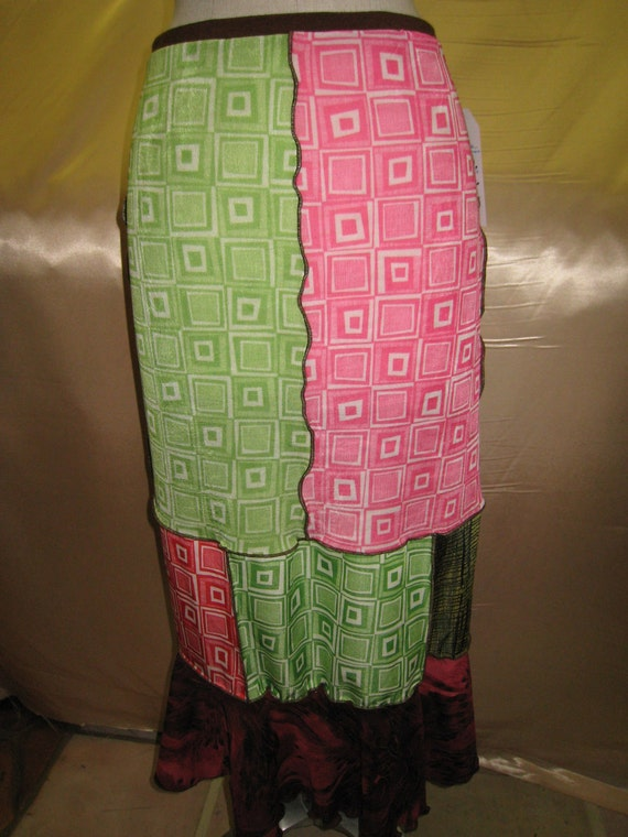 Geometric pattern mix colors long skirt with ruffled edging plus made in USA (v65)