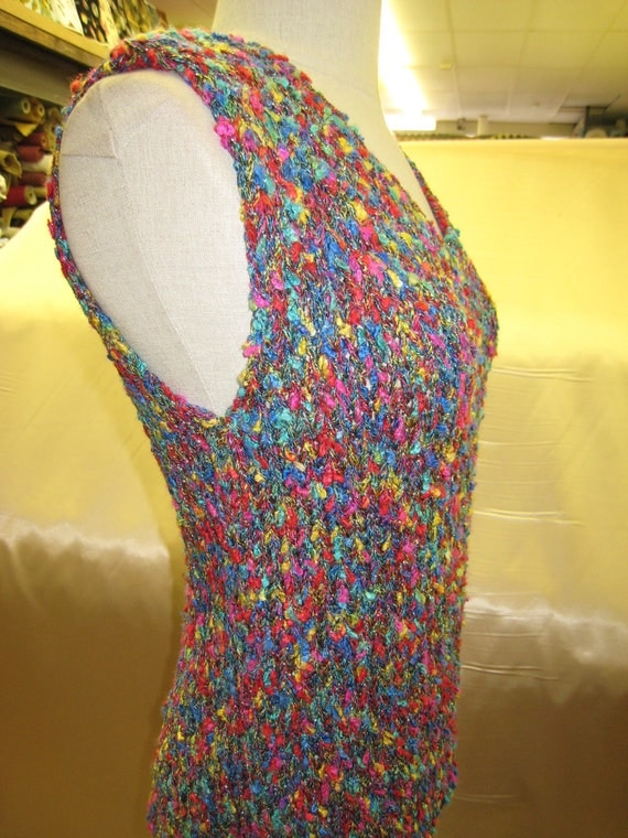 Hand knit mix color v-neck tank top plus made in USA (c17)
