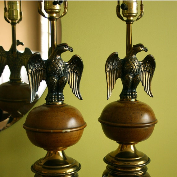 Pair of Lamps. Mid Century Lamps. Eagle Lamps. Bird. Americana Decor. Bedside, Buffet, Entryway or End Table. Vestiesteam.