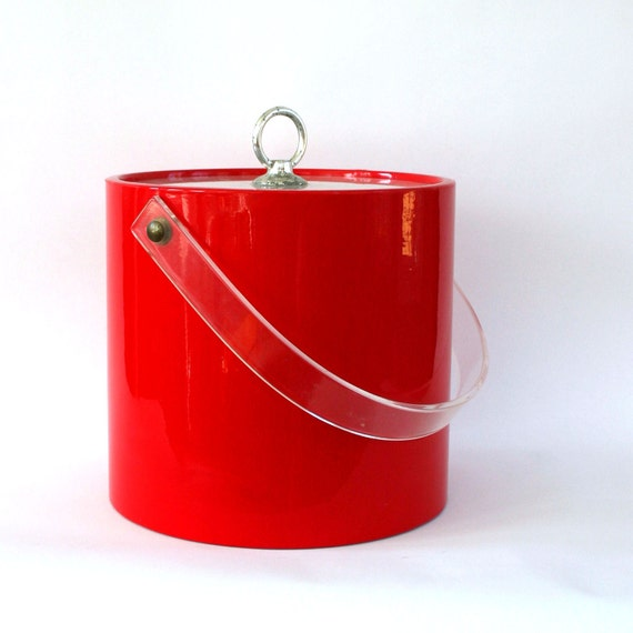 Ice Bucket. Red. Lucite. Metal. Holiday Party. Christmas Party. Entertaining. Barware. Vestiesteam. Rhapsody Attic.