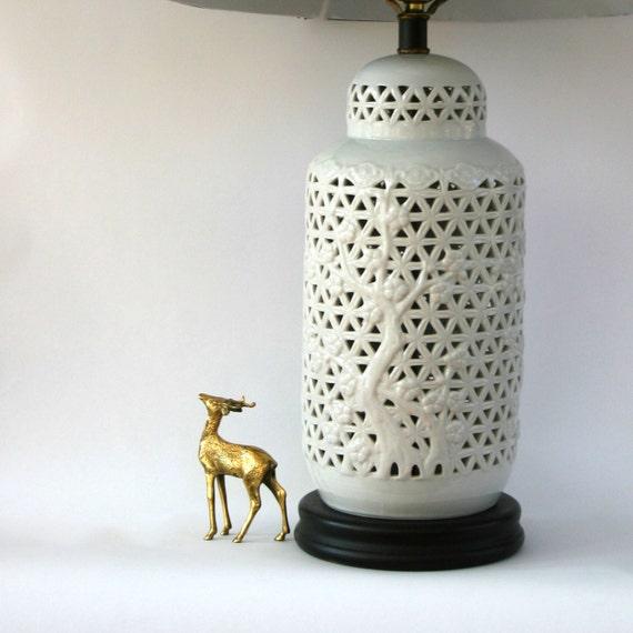 Hollywood Regency Lamp. Blanc de Chine. Vintage Mid-Century White Lamp. Chinoiserie Lighting. Pierced. Ginger Jar Lamp. Home Decor.