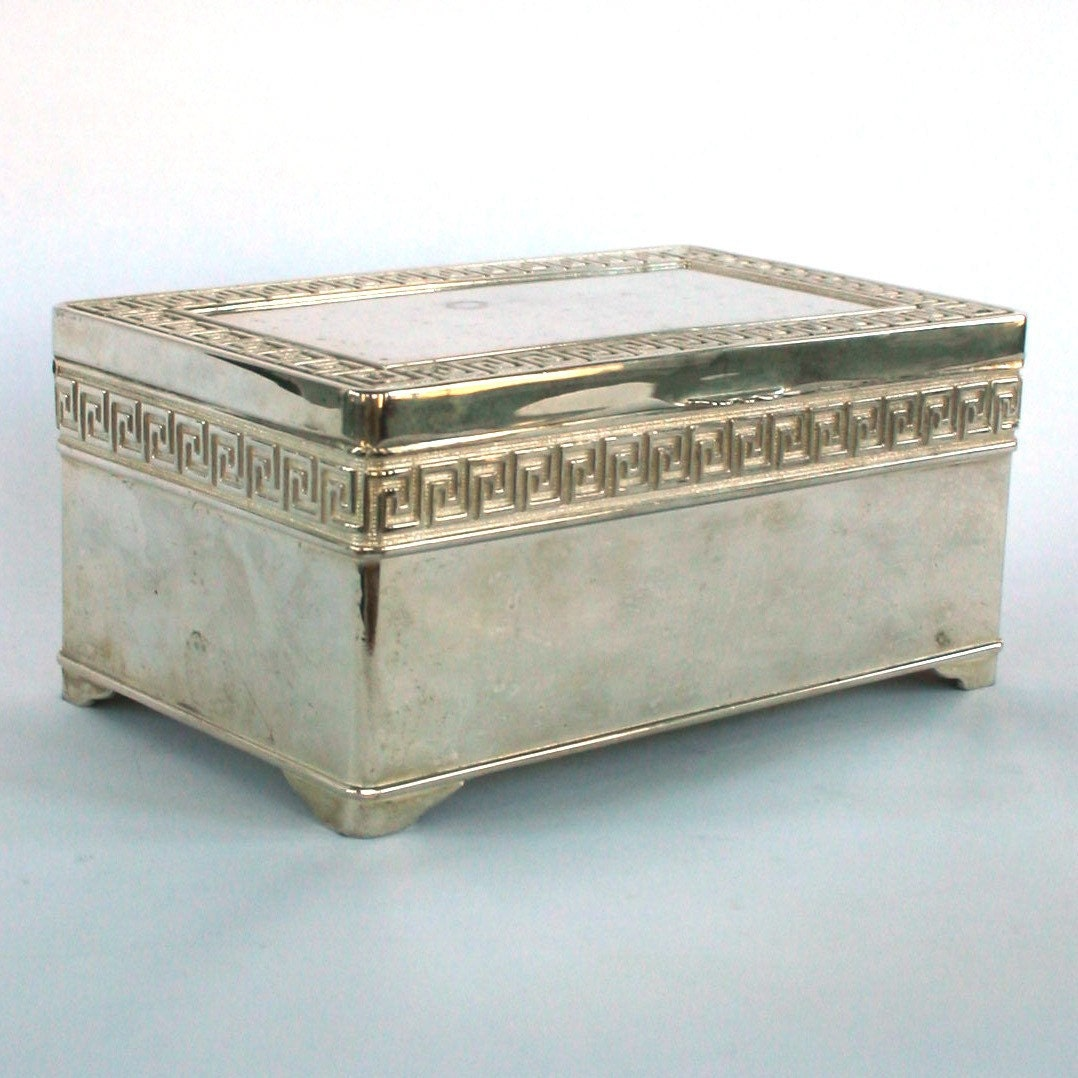 vintage trinket box silver jewelry box greek by. Black Bedroom Furniture Sets. Home Design Ideas