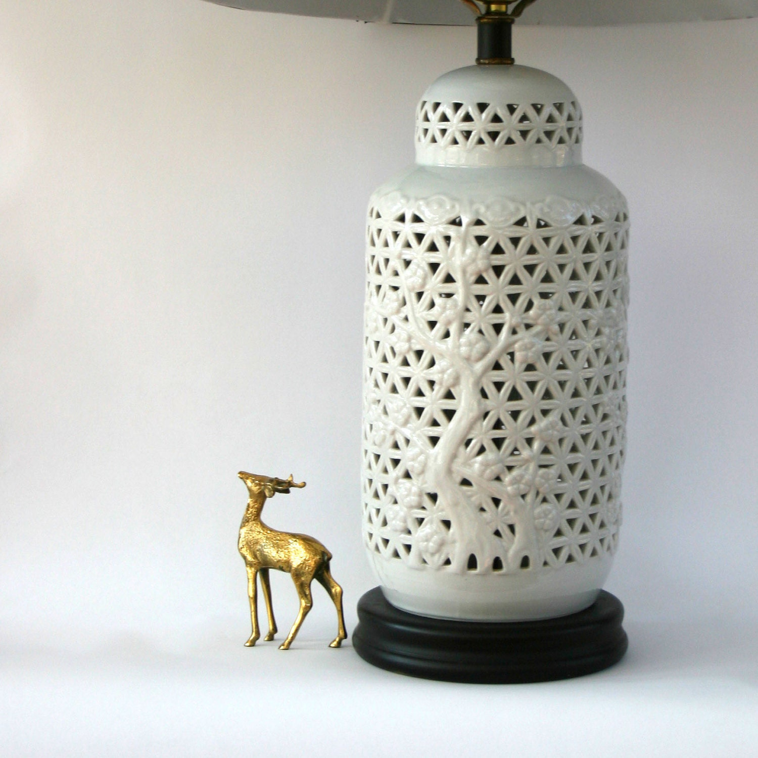 Hollywood Regency Lamp Blanc De Chine Vintage Mid Century