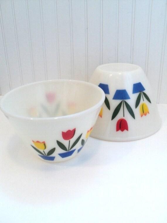 Vintage Fire King Bowl Set