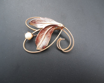 Pearl Flower Leaf Brooch
