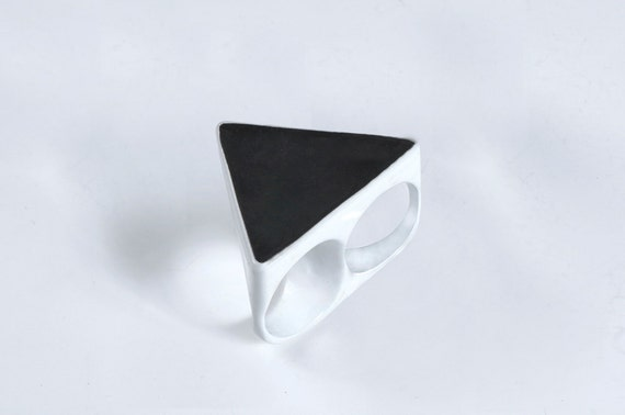 40% off RTS last in stock White and Black Two Finger Triangle Ring sz 7 & 7.25