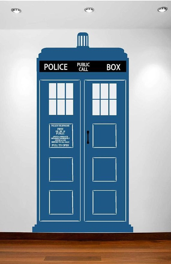 Gentil Large TARDIS Vinyl Wall Decal Free Shipping In The US