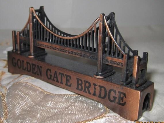 Minature souvenir vintage metal brass petina golden gate for Golden gate bridge jewelry