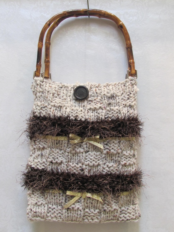 KNITTED  Hand bag/ purse, hand knitted, made of an ivory heather yarn with brown  accents and bamboo handles