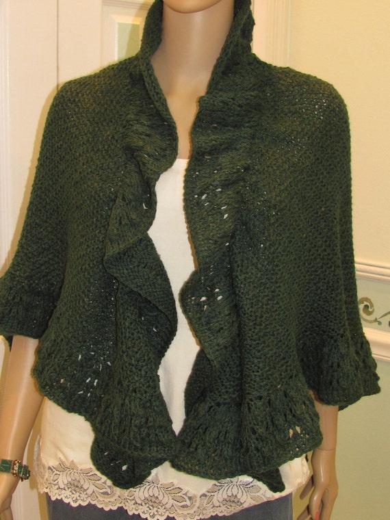 Knitting Pattern For Kate Middleton s Shawl : Princess Kate Middleton Shawl hand knitted in a forest green