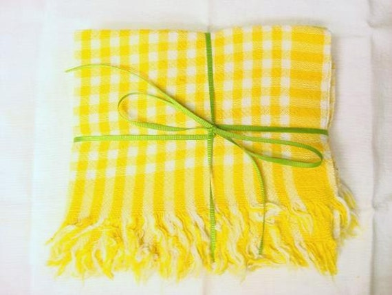 Vintage 1970s Bright And Cheery Yellow Cotton Linen Kitchen Towels - Set Of Four