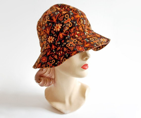 Vintage 60s 70s Brown Velvet Tapestry Print Boater Hat
