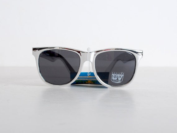 Vintage 80s Silver & Black Wayfarer Sunglasses Shades