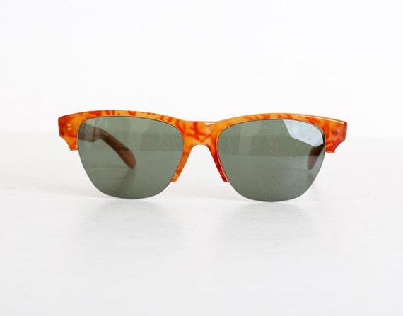 Vintage 80s Tortoise Wayfarer Sunglasses Shades