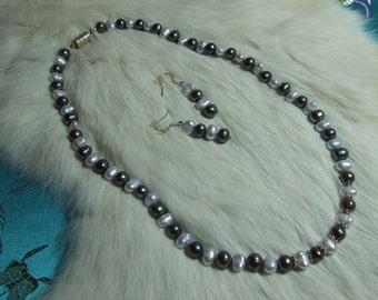 Fresh Water Pearl Necklace   Item 09-06