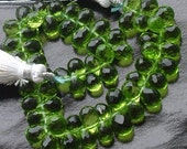 30 Pcs of Extremely Beautiful PARROT GREEN QUARTZ Micro Faceted Tear Drop Briolette 7-8mm Long,Great Item at Low Price