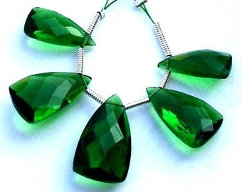 5 Pcs Set, EMERALD GREEN Quartz Faceted Pyramid Trillion Shaped Briolettes,14-18mm Long, 2 Pairs and 1 Focal,Great Item