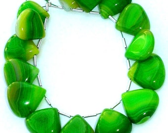 Rare Parrot Green Chalcedony Smooth Heart Shaped Briolettes,16-17mm Long size,Great Quality,Nice item