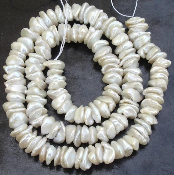 16 Inch Long Gorgeous,NATURAL WHITE PEARL Chips,Very Very Finest Quality Pearls
