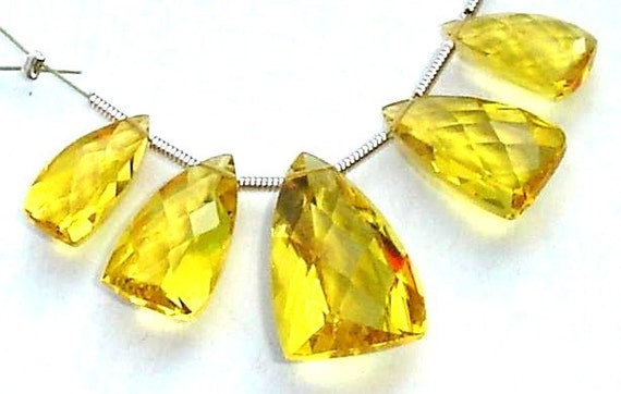 5 Pcs Set, YELLOW Quartz Faceted Pyramid Trillion Shaped Briolettes,14-20mm Long, 2 Pairs and 1 Focal,Great Item