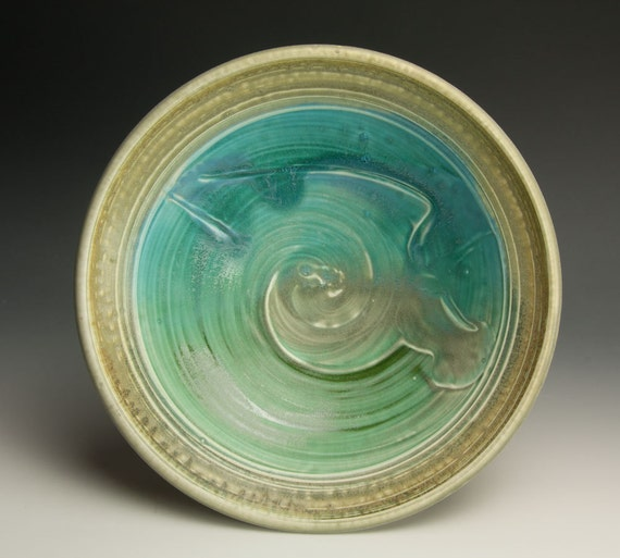 Handcrafted white stoneware serving bowl - 490