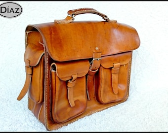 Large Vegetable Tanned Leather Messenger Bag / Crossbody Bag / Laptop Leather Briefcase / Vegetable Tanned Leather Satchel