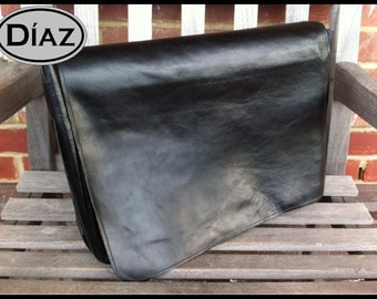 DIAZ Medium Genuine Leather Messenger Bag / Satchel in Florencia Black - Free Monogramming -