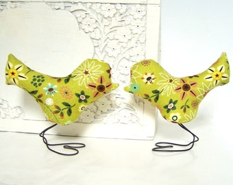 Wedding Cake Topper Love Birds in Clover Green, Yellow and Brown Flowers, Spring Wedding, Wedding Gift