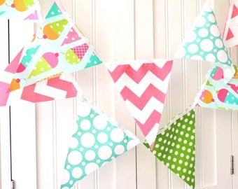 Banner Birthday Party, Bunting Fabric Pennant Flags, Garland Ice Cream Cones, Polka Dots, Pink, Girl's Party Decor, Birthday Photo Shoot