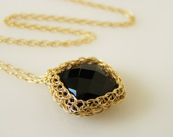 Onyx Pendant, Crochet Goldfilled Wire, Pillow Onyx Necklace, Wire Crochet Jewelry
