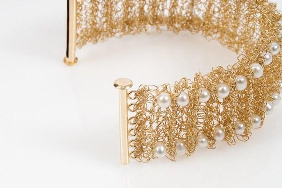 Bridal Statement Bracelet, Gold Cuff Bracelet, Bridal Pearl Bracelet, Wedding Pearl Bracelet, Wedding Bracelet Cuff, Gold Staement Bracelet